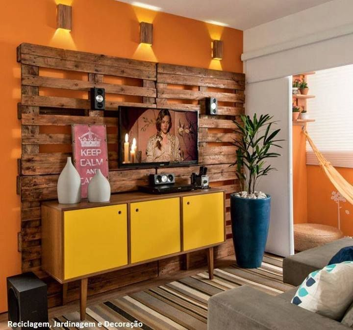 Sala tv con tarimas recicladas deco home pinterest for Ideas con tarimas de madera