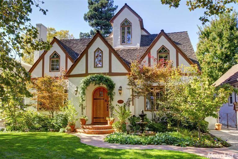 1358 47th St Sacramento Ca 6 Beds 3 Baths Cottage Homes Tudor Cottage Sacramento Homes For Sale