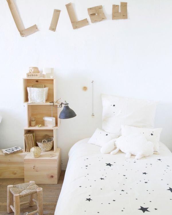Muebles infantiles y objetos decorativos en materiales naturales ...