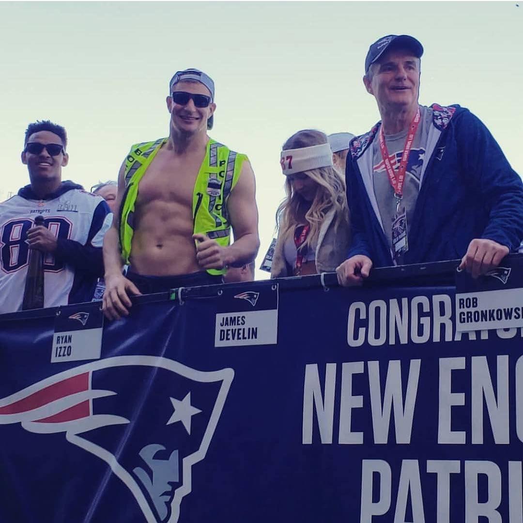 Patriots Nation On Instagram Lfg Parade New England Patriots Patriots Gronkowski