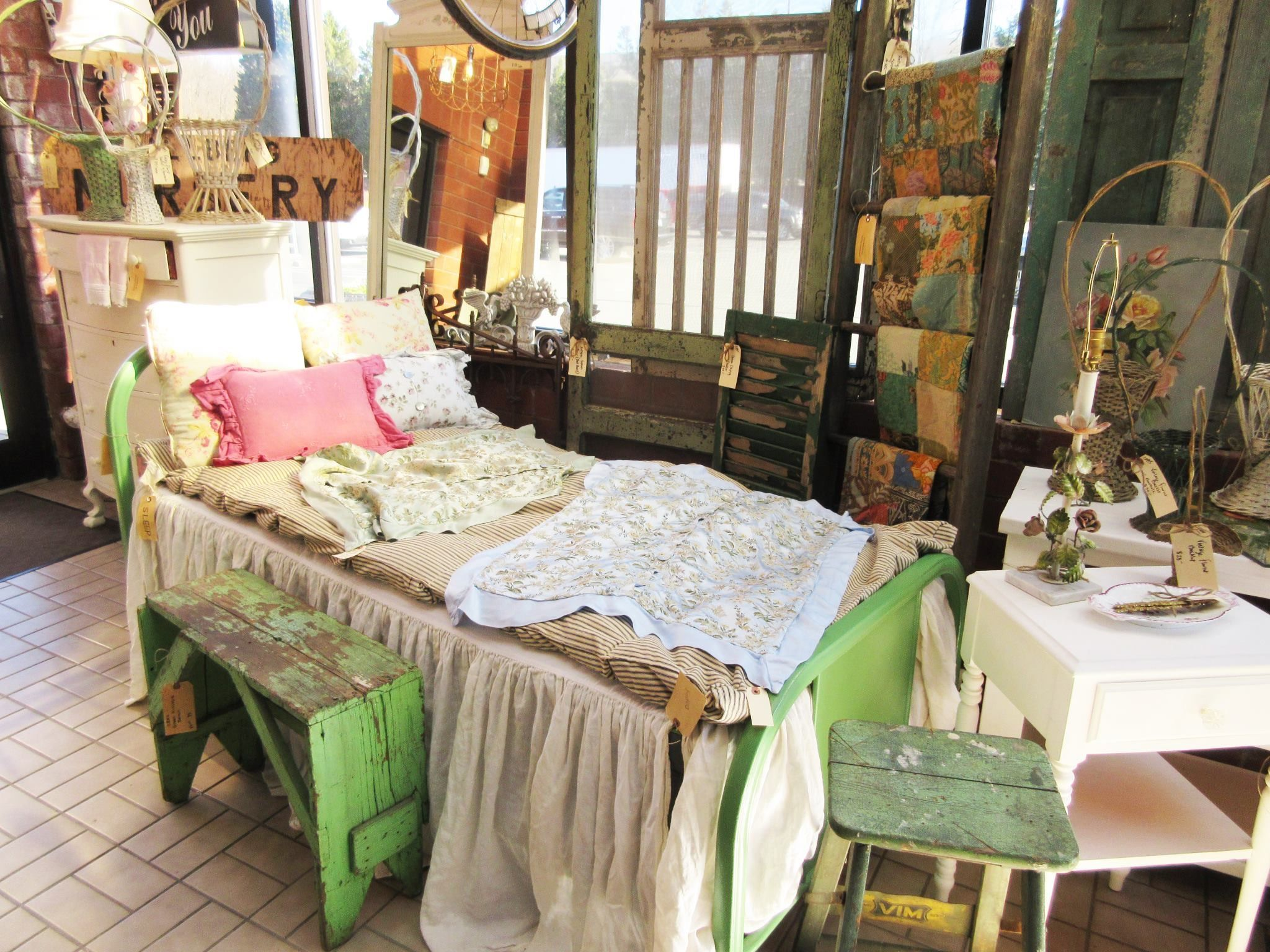 Nice Romantic Cottage Available At The Antique Market A Place In Greensboro, NC.  Chateau Et