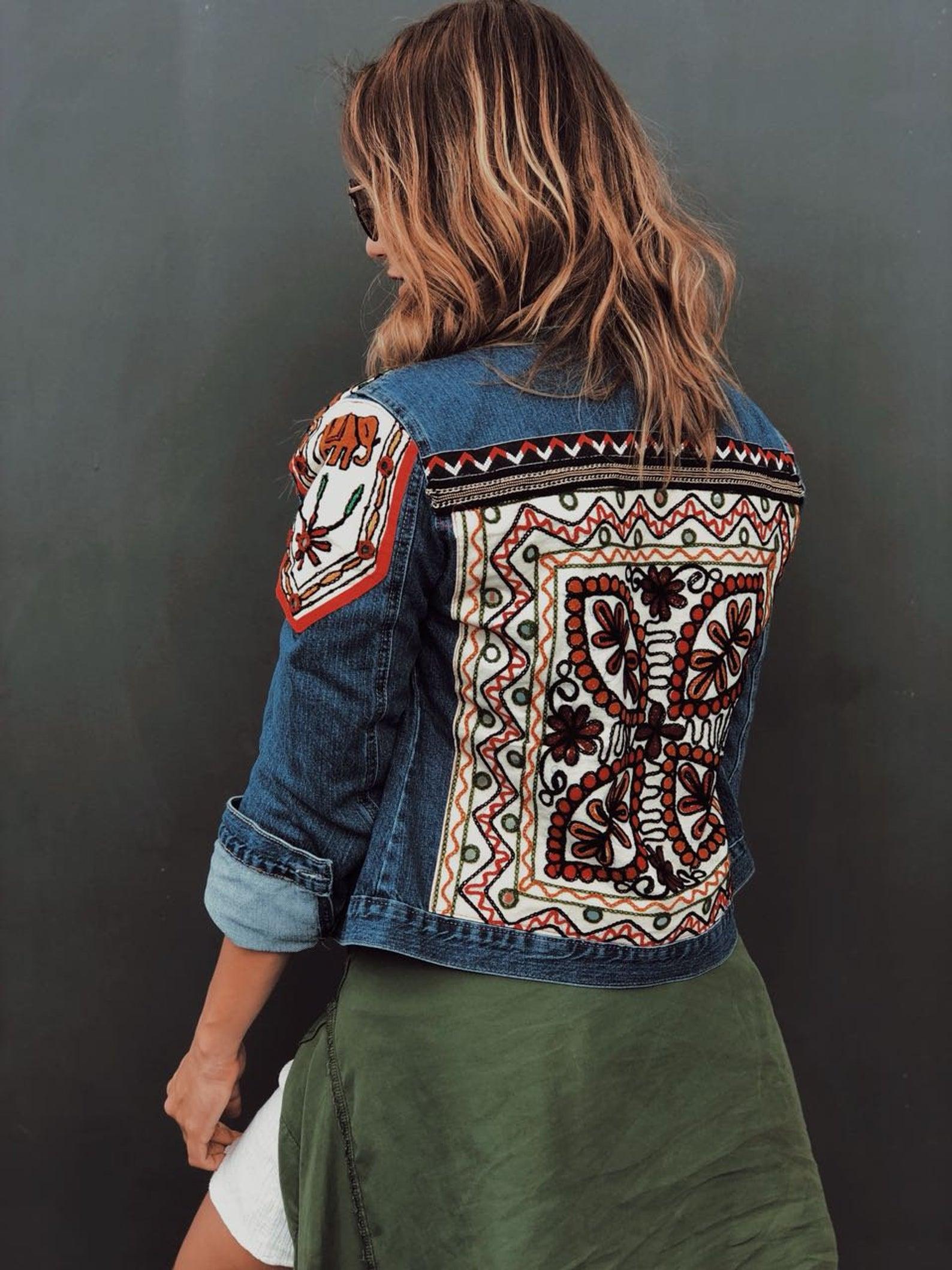 Adornado de chaqueta de Jeans, chaqueta de mezclilla bordado chic boho, festival moda gitana jeans, chaqueta de dril de algodón con cuentas, hippie chic vestir de las mujeres