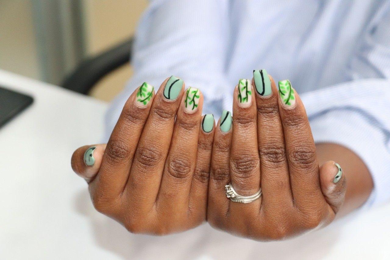 Gel added to stickon nails..a green natural look for the nails #nailart #nailsonfleek #nailworld #naildesigns #nailswag #nails #coffinnails #ballerinanails #stilettonails #gelnails