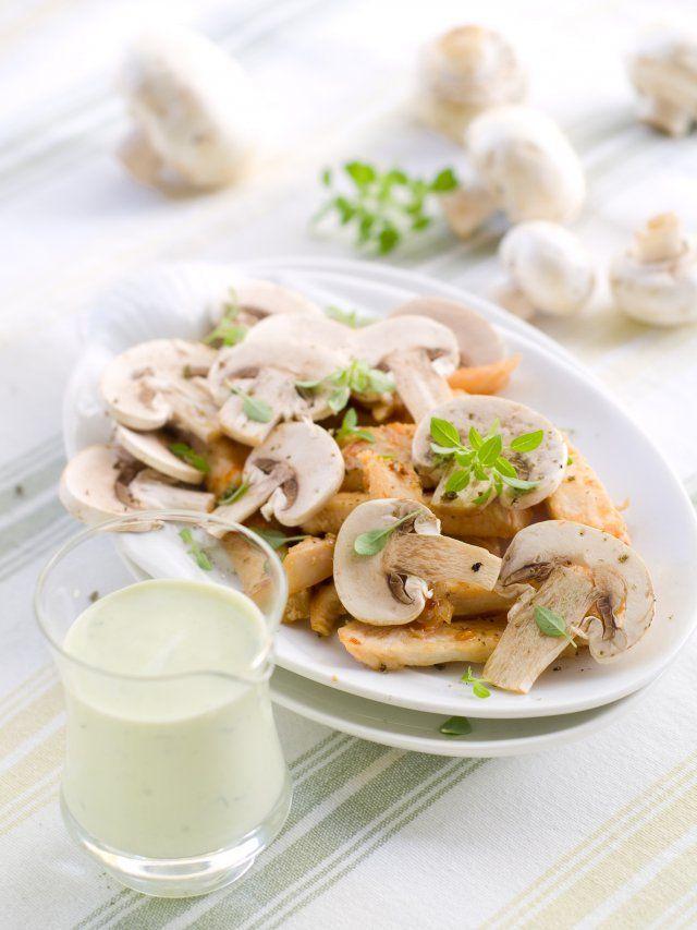 Salade de champignons crus à la crème   Recette (avec ...