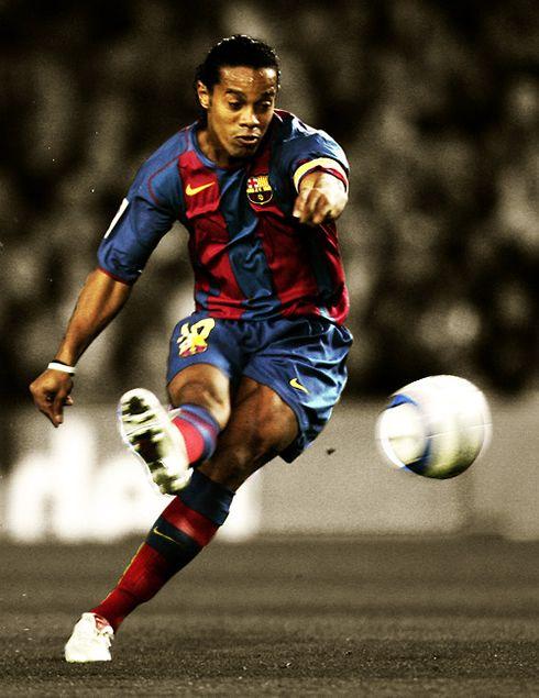 604 Ronaldinho Wallpaper Barcelona Jpg 490 635 Imagenes De Futbol Futbol Estadios
