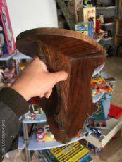 Peana o repisa antigua para santo en madera