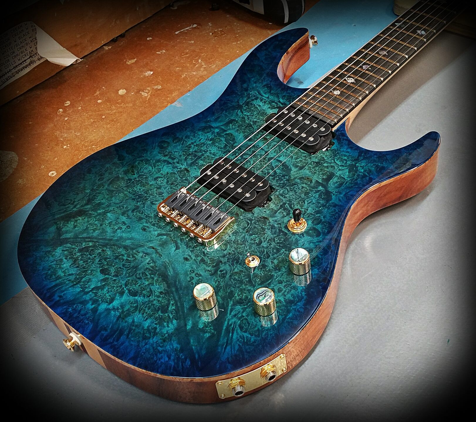 kiesel guitars carvin guitars lmp6translucent aquaburst over burl maple top on koa body [ 1622 x 1440 Pixel ]
