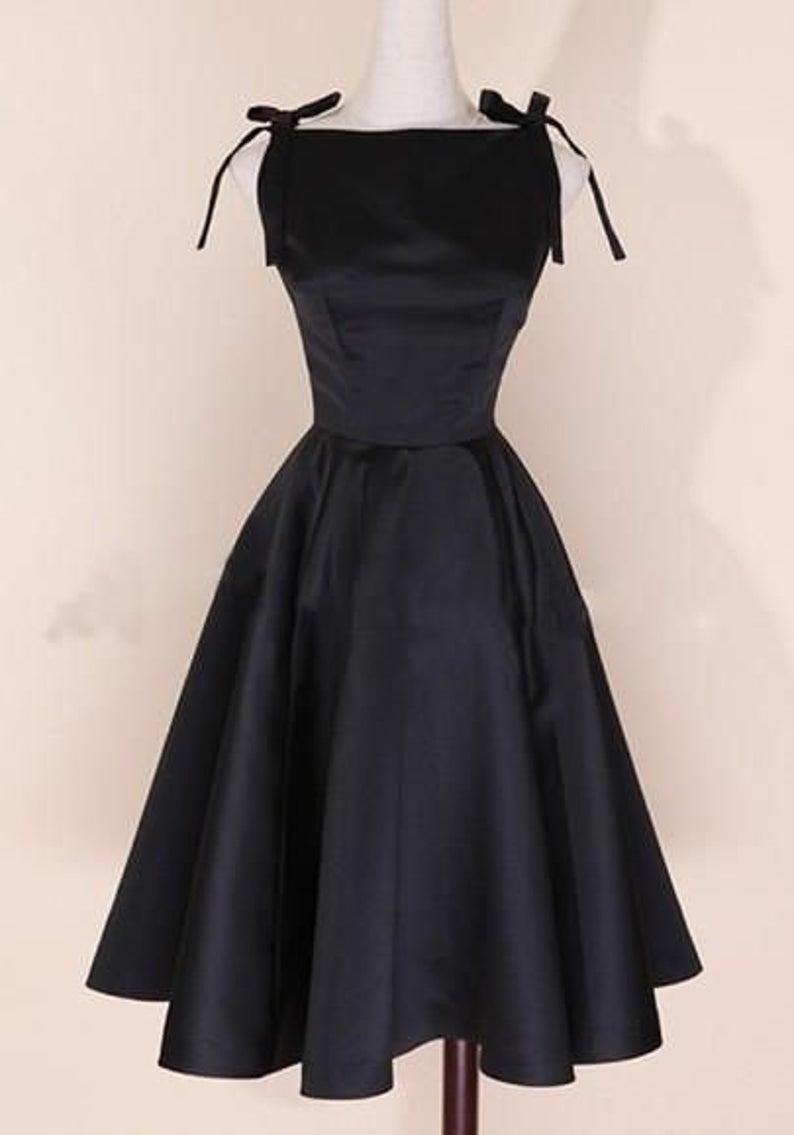 XL 1950s Black Eyelet Dress Short Sleeve Dress Red Lining Spring Summer Cocktail Party Evening Wear LBD 50s Vintage
