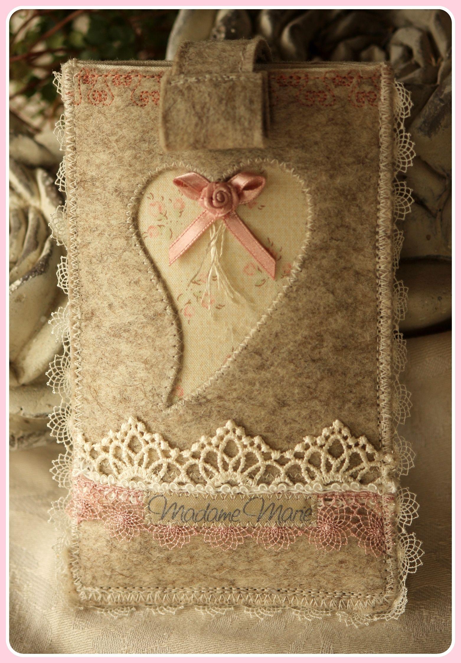Romantische Handyhülle aus Wollfilz
