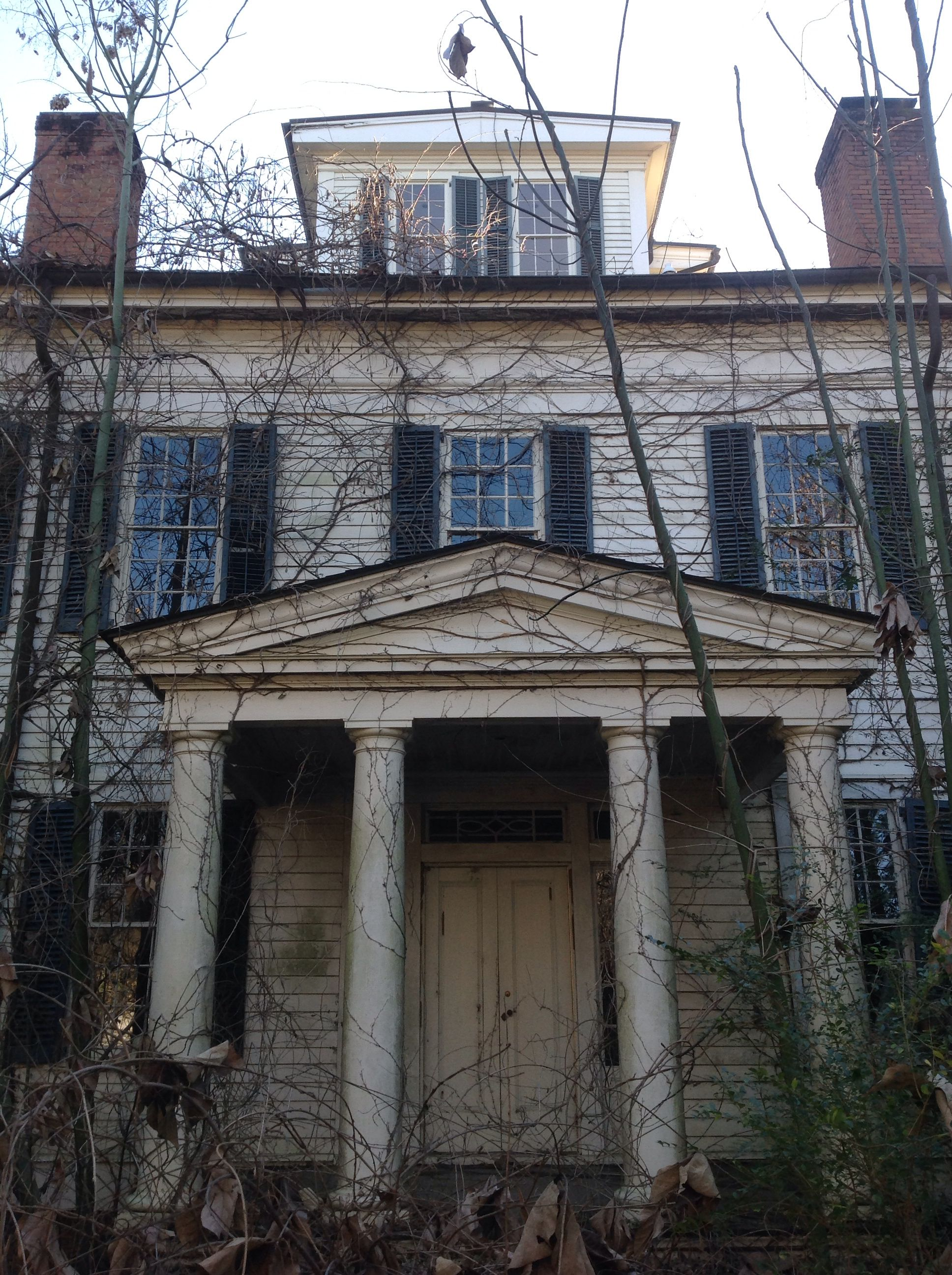 Abandoned alabama plantation house southern plantation for Home builders in north alabama