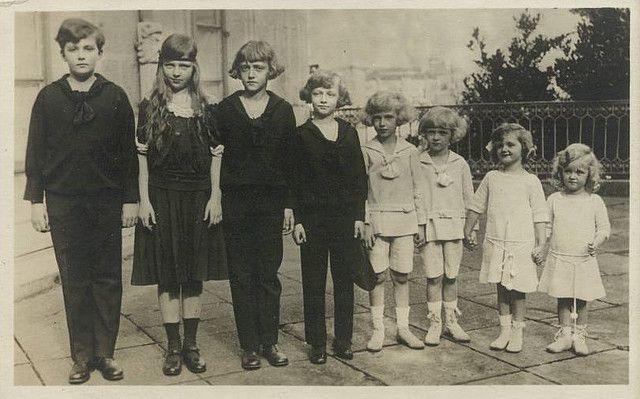 Die Kinder Von Kaiser Karl Und Kaiserin Zita Von Osterreich Archduke Traditional Catholic Royalty