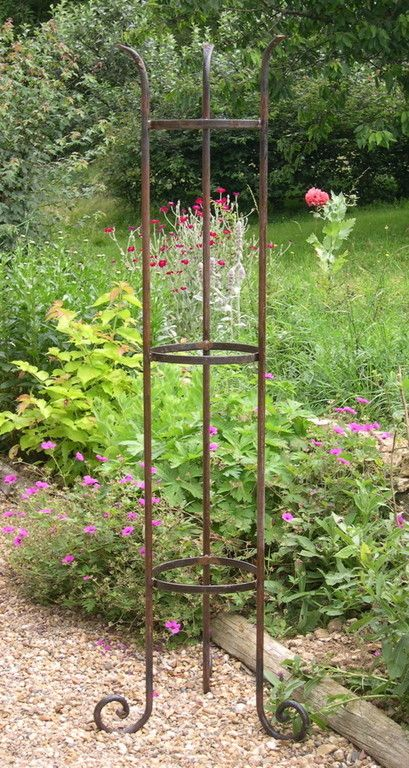 Arceaux tuteurs colonnes et mobilier de jardin for Arceaux de jardin