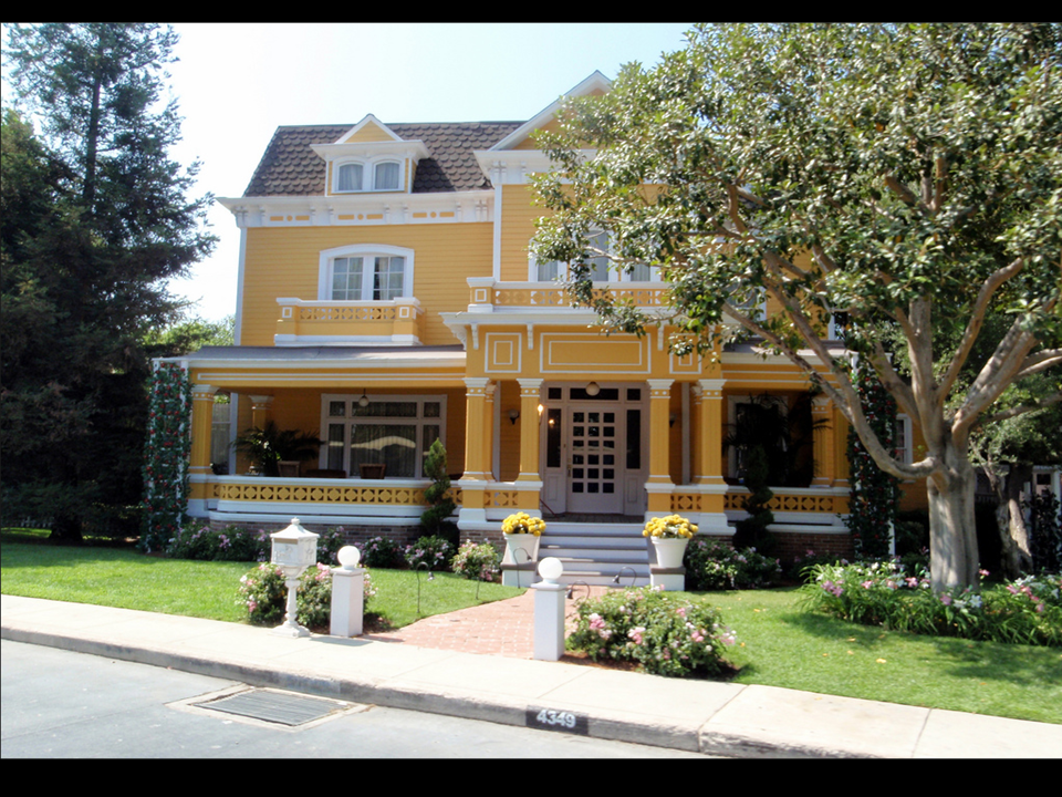 maison wisteria lane wisteria lane desperate housewives. Black Bedroom Furniture Sets. Home Design Ideas