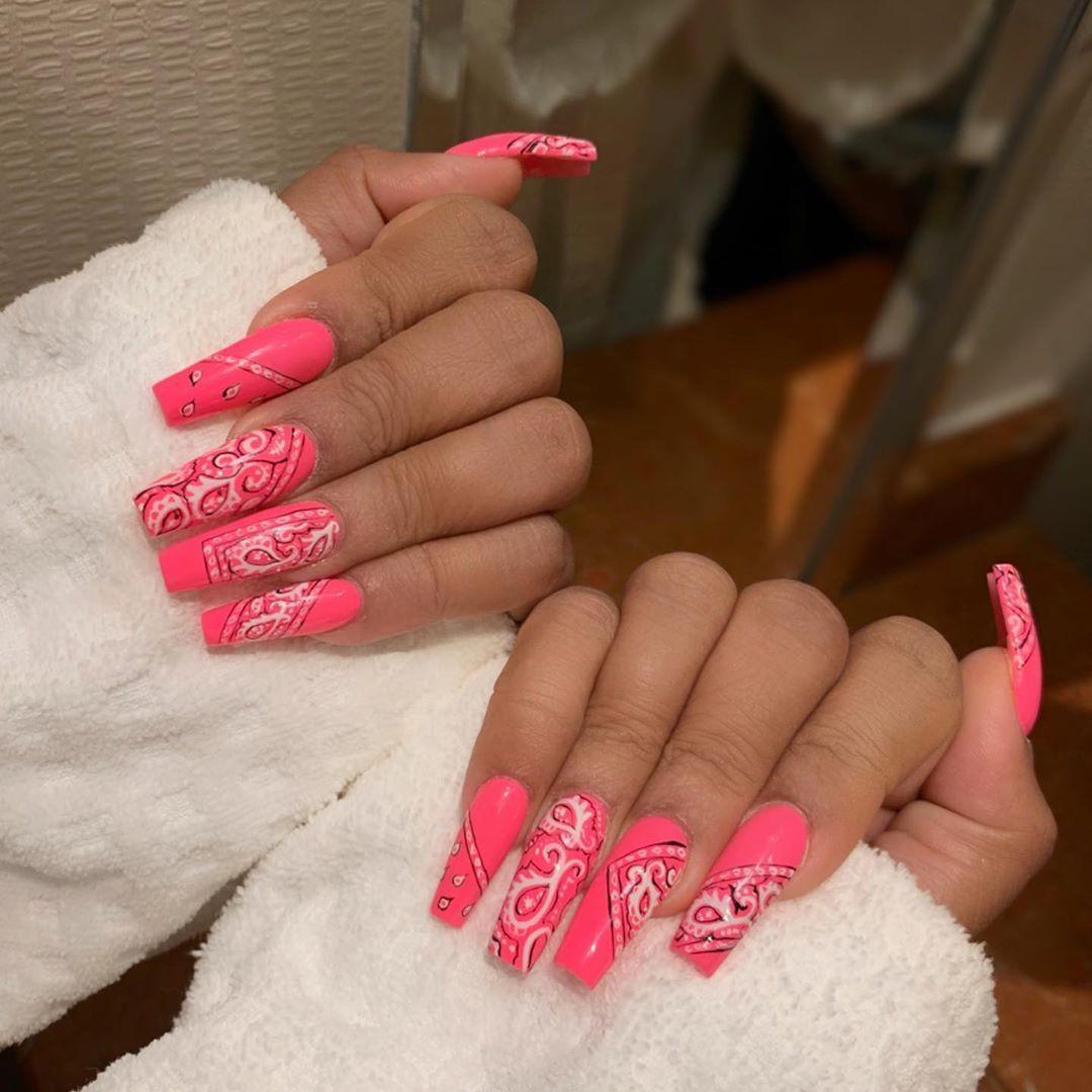 Pretty Girl Gang My Two Faves Heathersanders And Lala Bandananails Handpainted Jelly Pink Miss Candied An In 2020 Bandana Nails Dark Pink Nails Hot Pink Nails