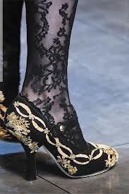 zapatos bordados D&G