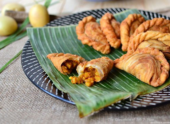 Spiral curry puffs karipap pusing recipe from the chronicles of ms spiral curry puffs karipap pusing recipe a flaky crispy treat by i hua lim on epicurious community table forumfinder Gallery