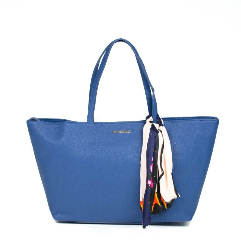 LOVE MOSCHINO €171.00 28x37x13 cm Polyurethane 100% Free shipping to Russia! Доставка в Россию бесплатно! JC4211PP02KA0105105 #ootd #outfit #outfitoftheday #lookoftheday #fashion #style #love #beautiful #currentlywearing #lookbook #whatiwore #whatiworetoday #clothes #mylook #todayimwearning #fw16 #shopping #boutique #onlinestore #fashionblog #fashiondiaries #moschino #bag #бесплатная_доставка