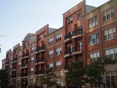 Pier House 15 Warren St Jersey City Nj 07302 With Images Pier House Jersey City City