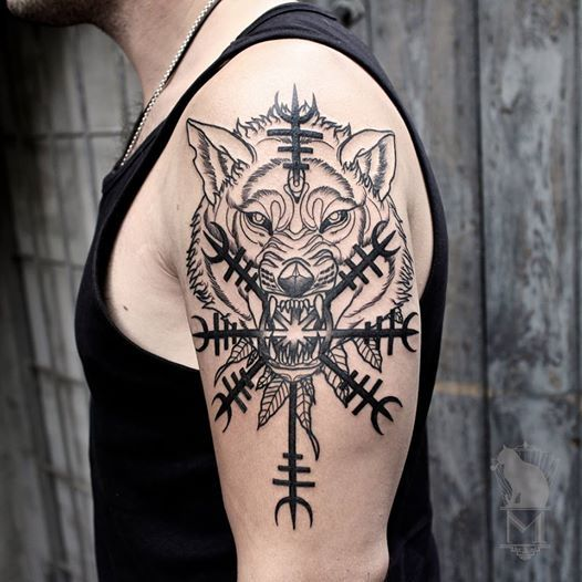 25 Viking Tattoo Designs Ideas: Nordic Wolf With Helm Of Awe Nordic Ulv Med Ægishjálmur