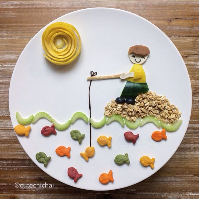 Food Art. Having fun with Gold fish crackers!