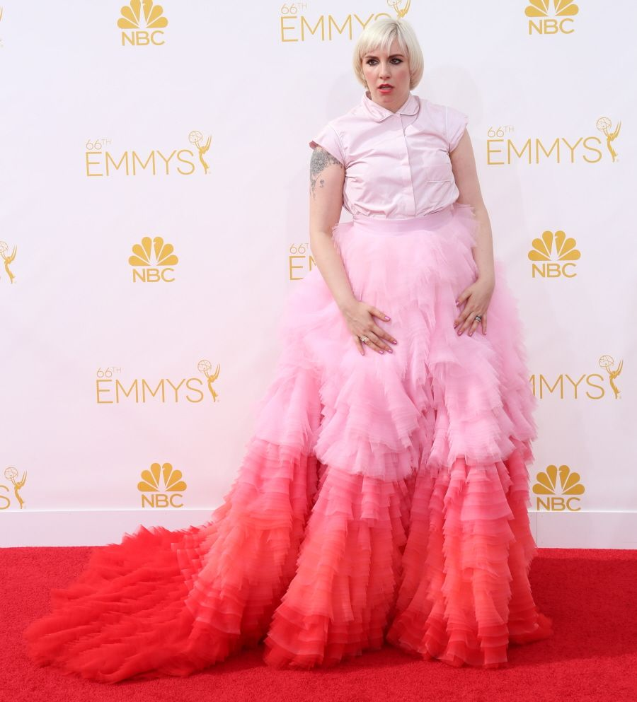 Lena Dunham in Giambattista Valli at the Emmys: one of the biggest ...