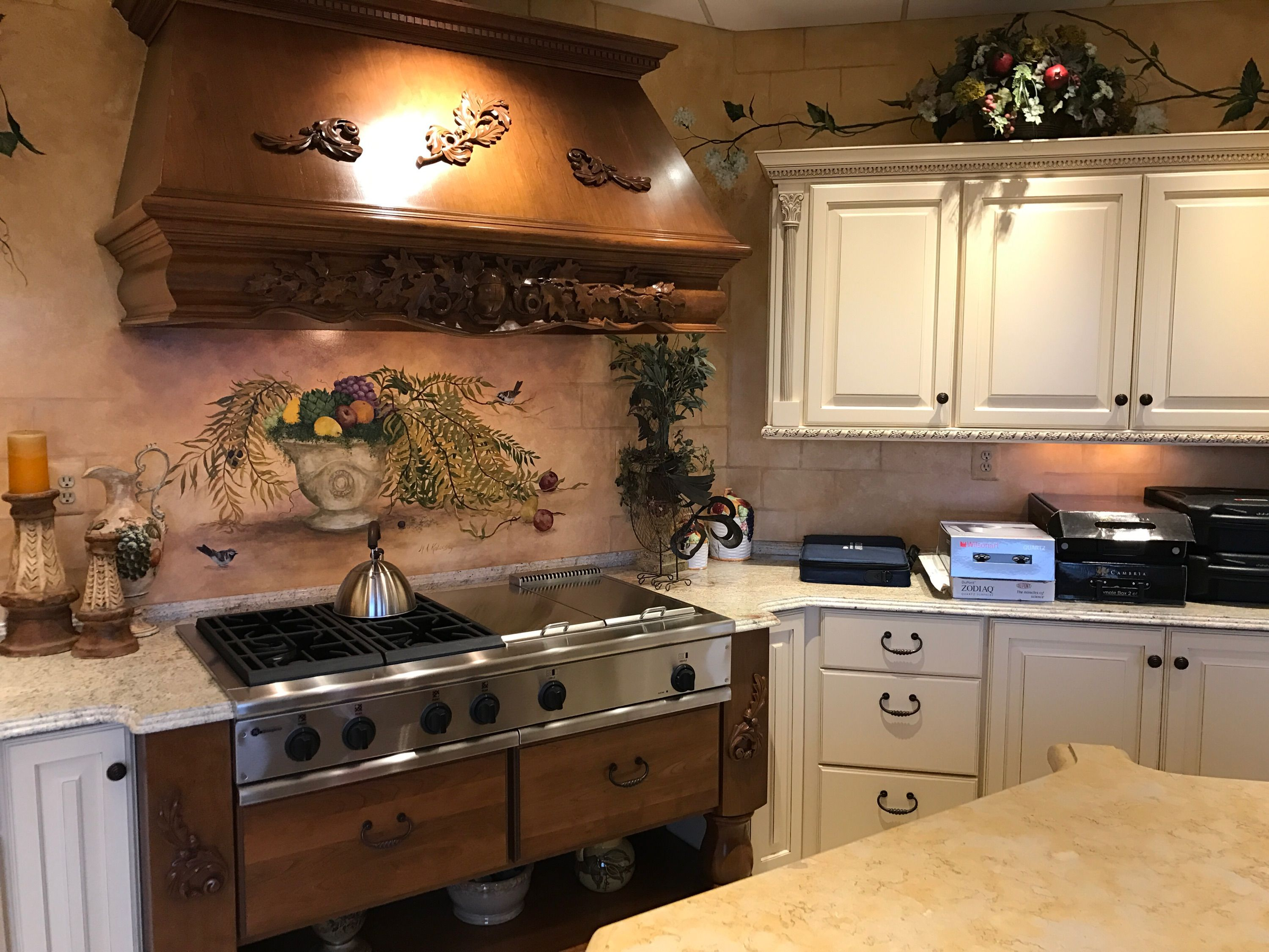 A Beautiful Kitchen Built By Lafata Cabinets Check Out Lafata Com For More Examples Of Our Work Custom Cabinets Kitchen Cabinets Cabinet