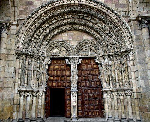San Vicente De Avila Portada Basilica De San Vicente Avila 30 11 2012 043 A Photo On Flickriver Barcelona Cathedral Cathedral Landmarks