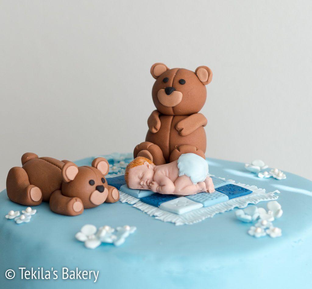 Fondant teddy bears with baby and flowers www.tekila.fi