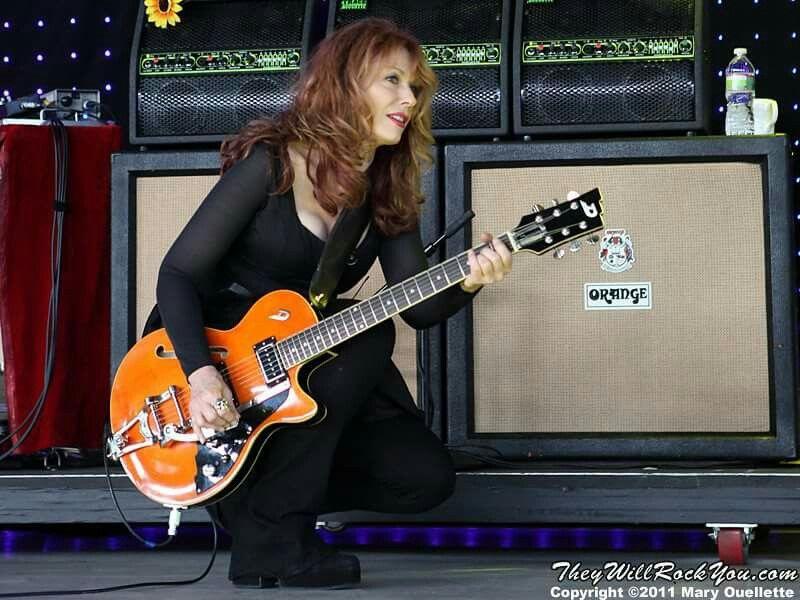 Nancy Wilson of Heart ♡