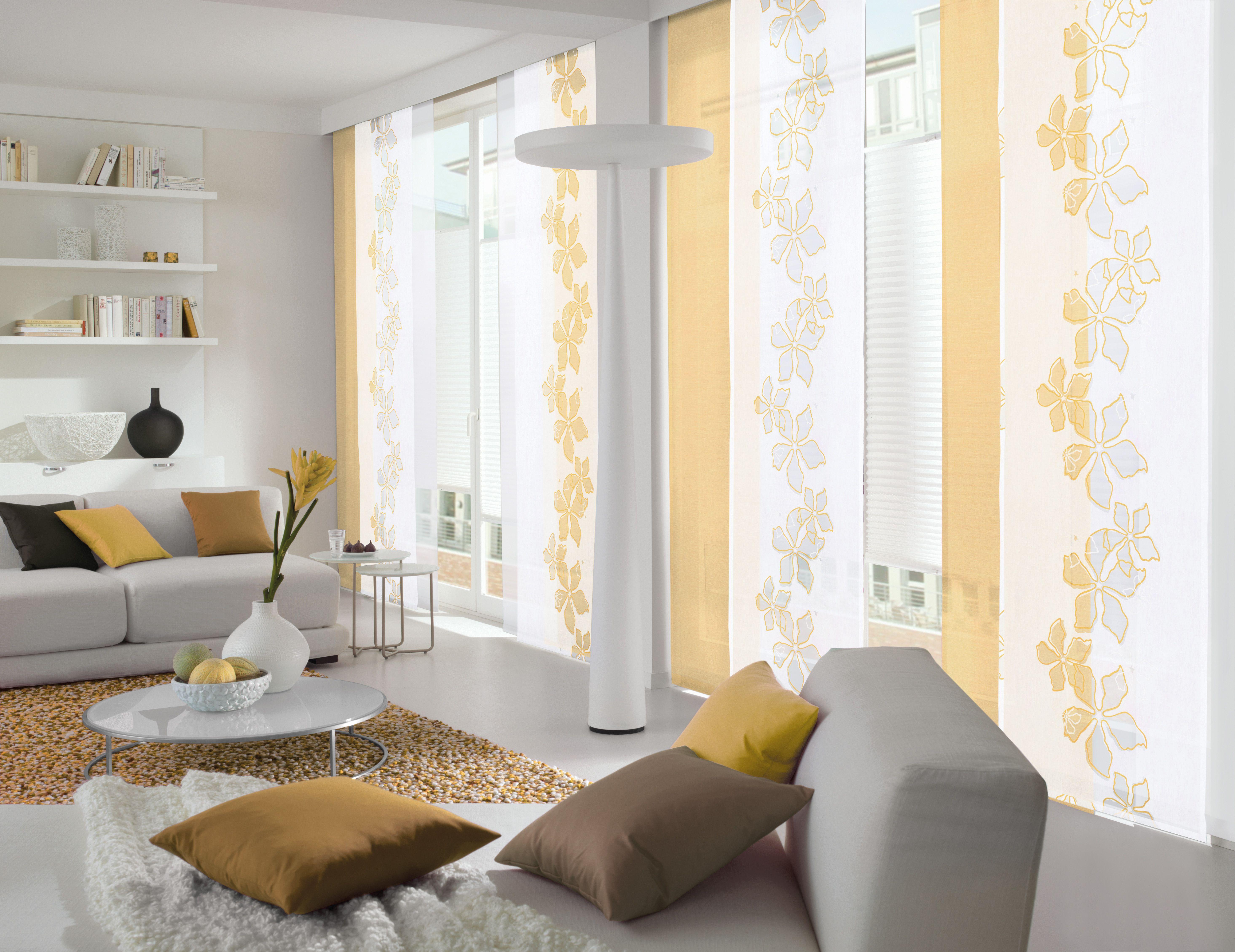 Weißer Und Gelber Flächenvorhang Im Wohnzimmer Gardinen Gardine Weiss Gelb Gardinen Wohnzimmer Modern Wohnzimmer Design Wohnen