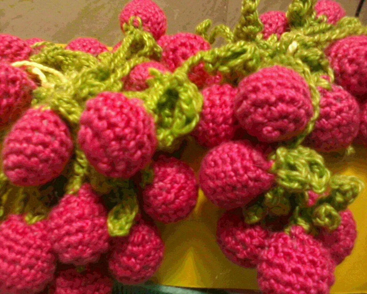 cereja crochet. encomendas,e pronta entrega mvieira.com@gmail.com