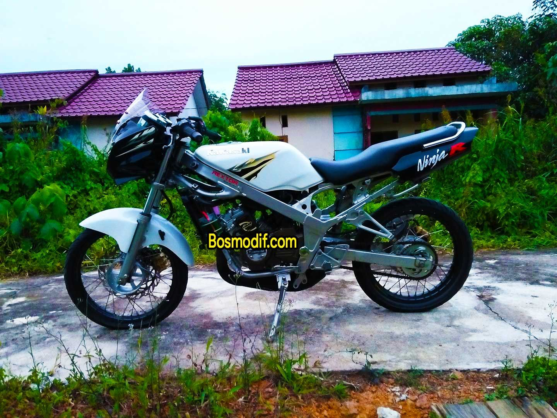 Modifikasi Motor Kawasaki Ninja R Rr Warna Putih Sederhana