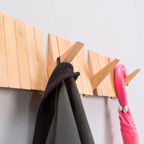 Deko - Switchboard Garderobenhaken aus Holz - Frisch aufgehängt.