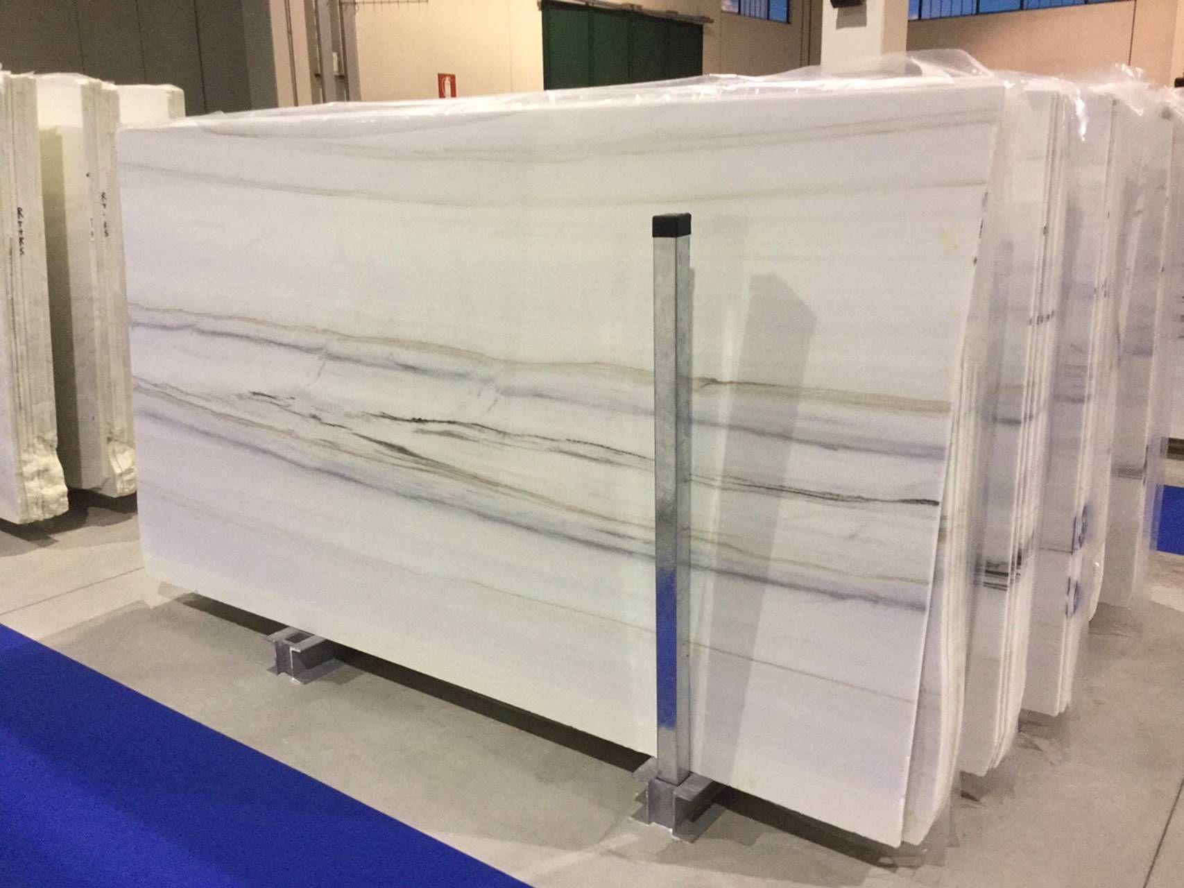 Der Klassiker Bianco Lasa Extra Ein Besonders Ausdrucksstarker Block Fur Bodenplatten Wandpl Marmor Natursteinplatten Und Natursteine