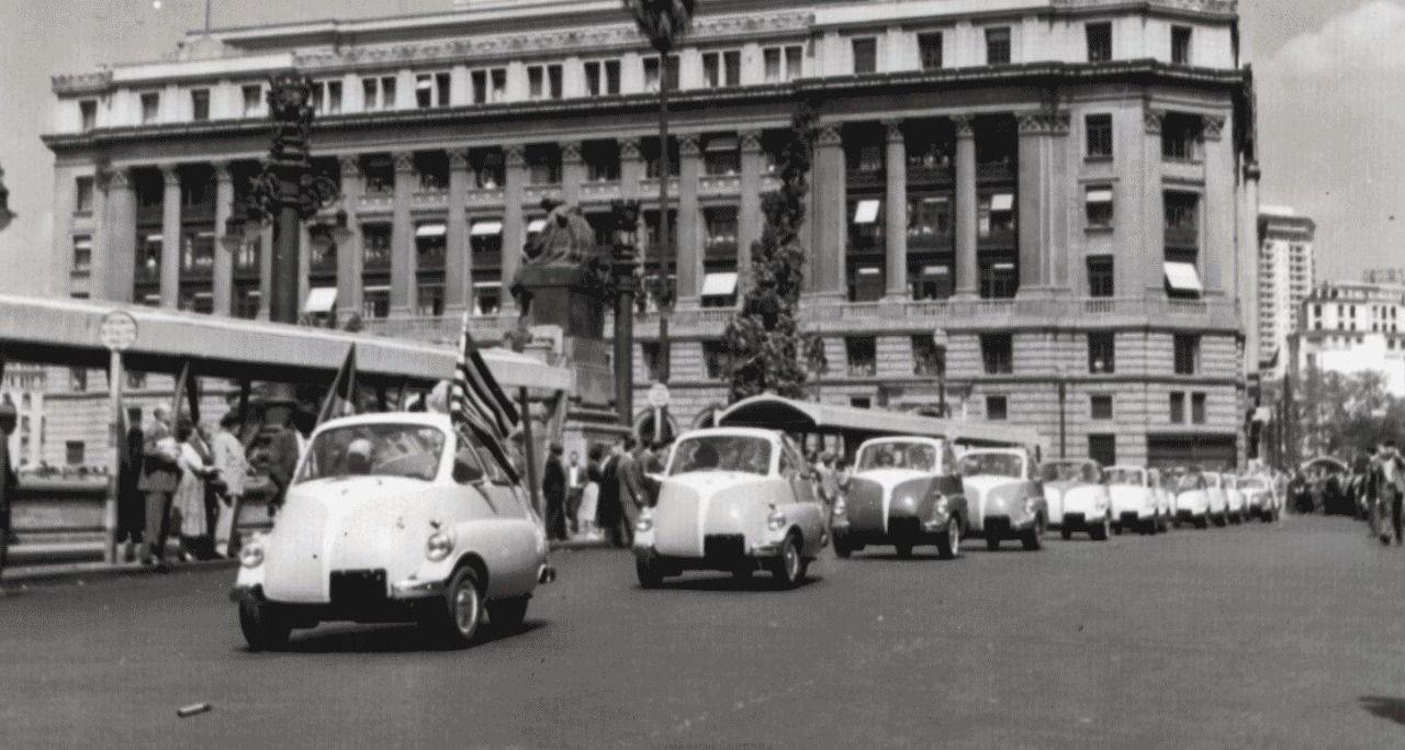 Romi Isetta Parade In Sao Paulo Circa 1958 Com Imagens Sao