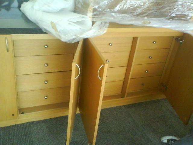 Muebles con Puertas y cajones ocultos