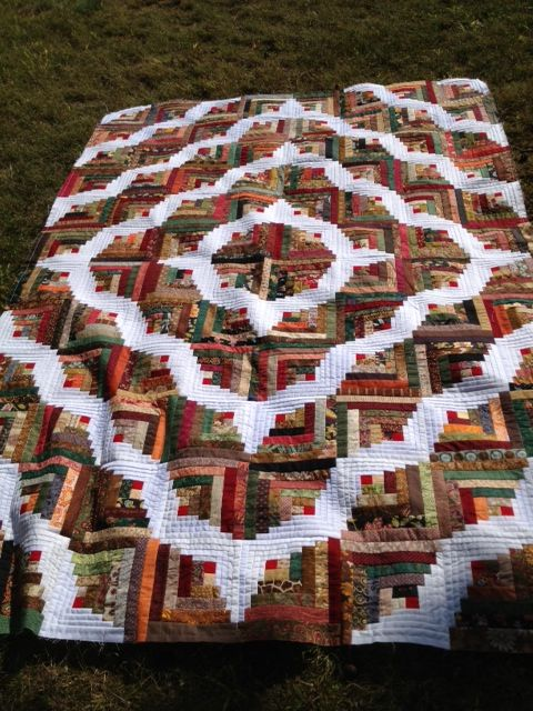 Beautiful Curved Log Cabin Scrap Quilt Log Cabin Quilts