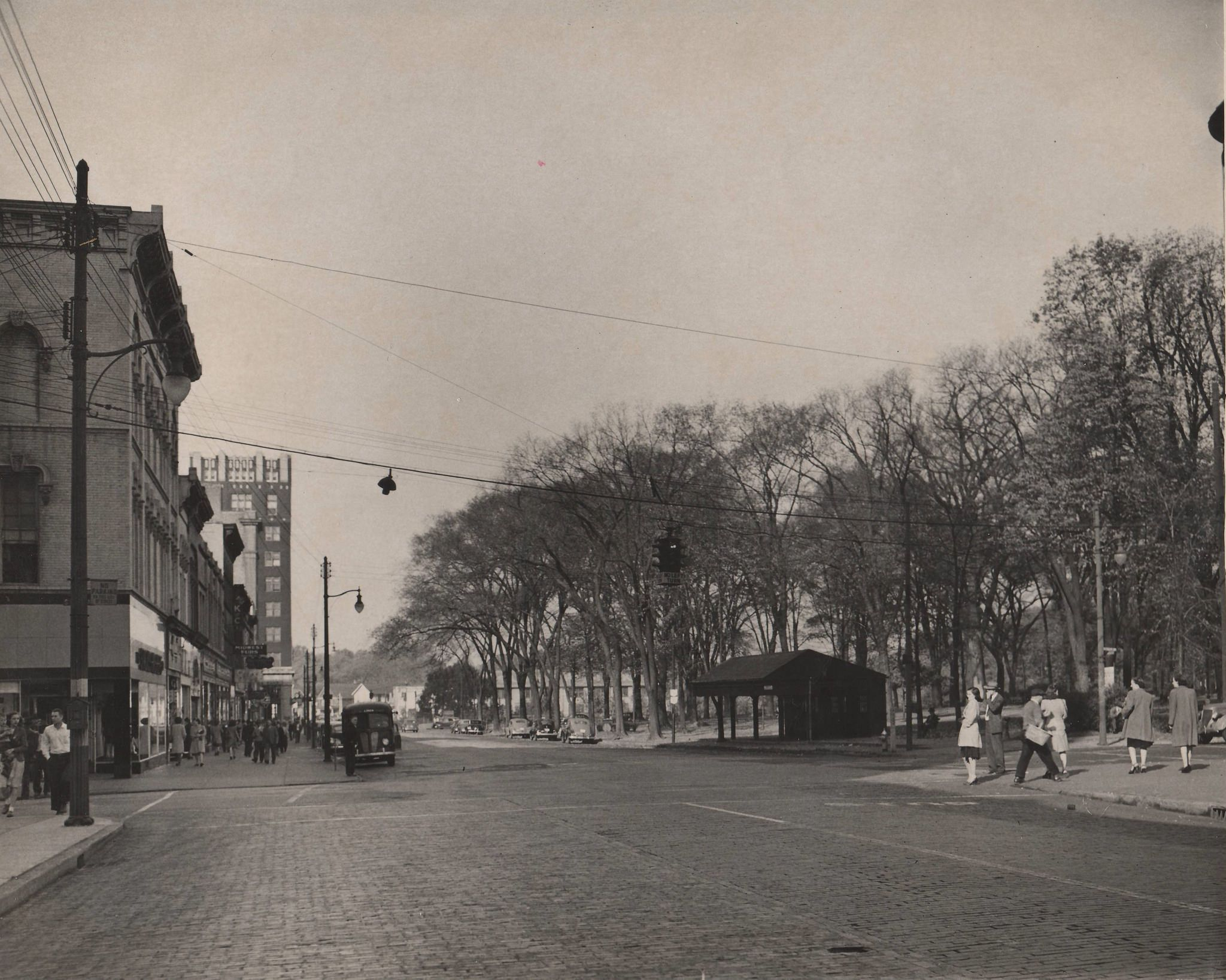West Market Street Looking Towards Courthouse Square Warren Ohio 1946 Ohio Warren Ohio Around The Worlds