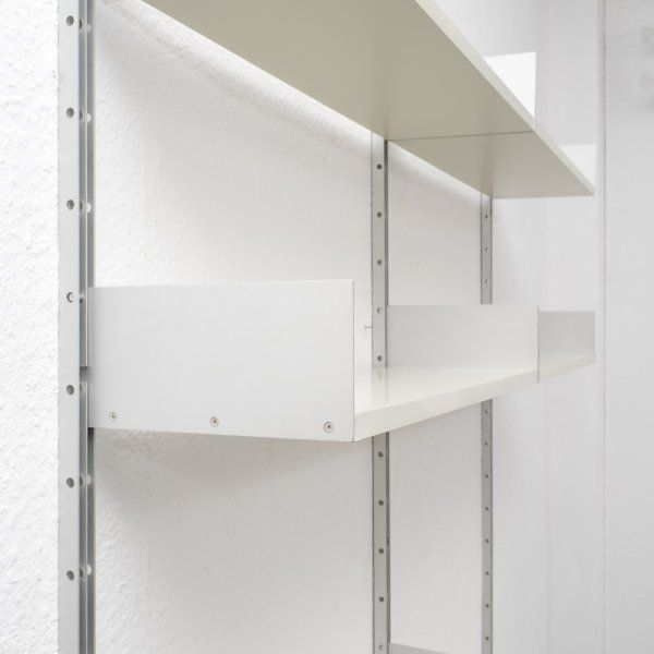 velvet point storage 1960s shelving system 606 by dieter rams for vitsoe karlsruhe ideen. Black Bedroom Furniture Sets. Home Design Ideas