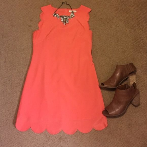 Coral scalloped dress Recently bought on here, but does not fit me. Gorgeous dress, so sad to give it up Dresses Strapless
