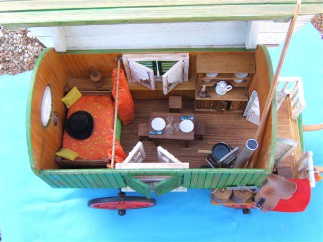 roulotte de gitans le blog des charrettes de robert rubino miniatures pinterest blog et. Black Bedroom Furniture Sets. Home Design Ideas