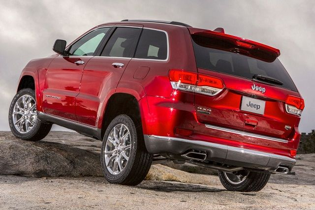 2015 Jeep Grand Cherokee Summit Back View