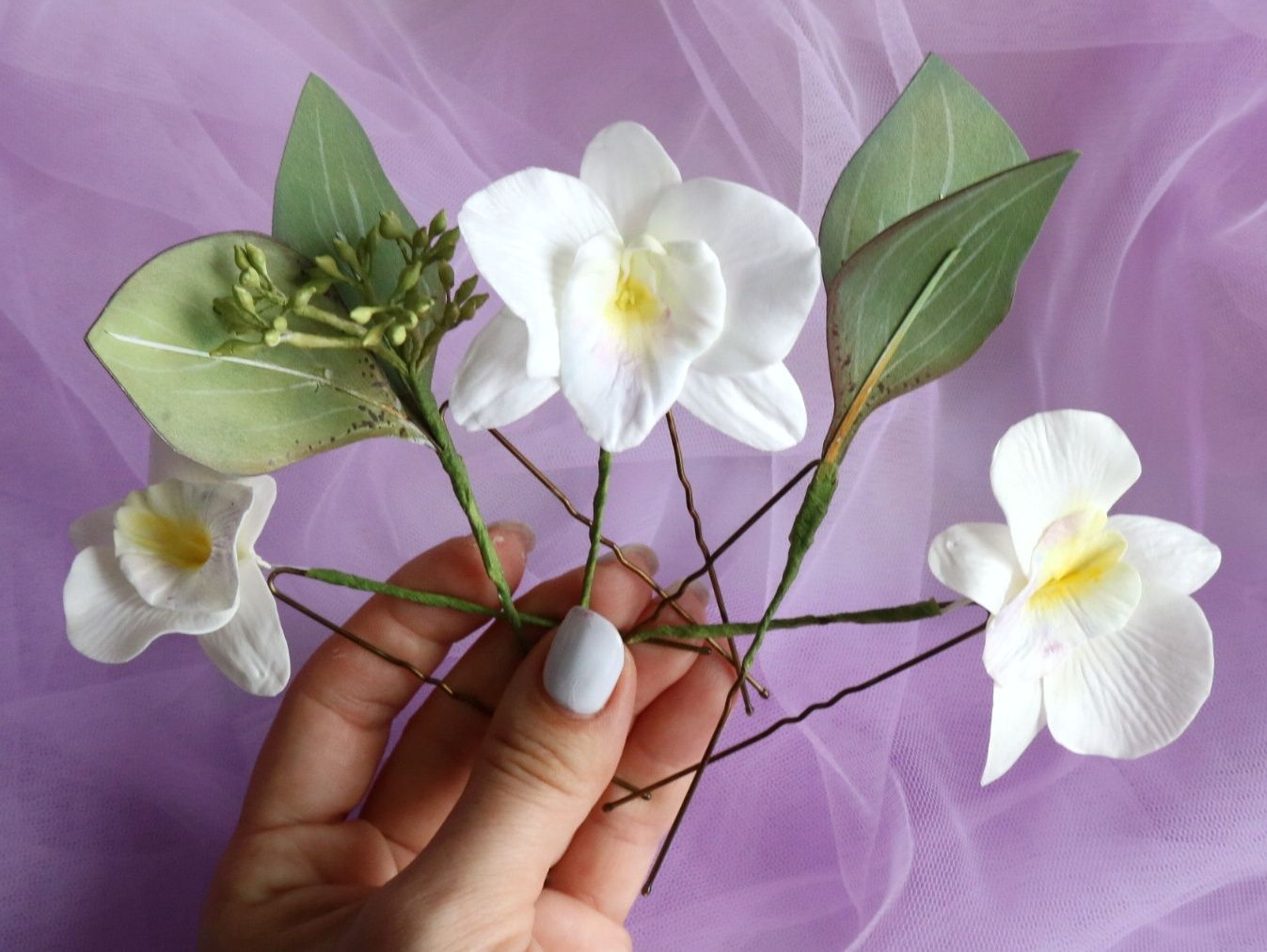 Tropical Flower Orchid Eucaliptus Bridal Hair Piece For Beach Or Hawaiian Wedding Set Of 5 White Floral Hair Pins In 2020 Orchid Flower Floral Hair Pins White Dendrobium Orchids