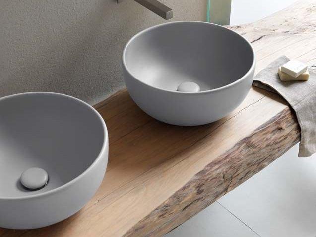 Armadietto Da Bagno Schneider : Lavabo da appoggio rotondo in ceramica collezione shui by ceramica