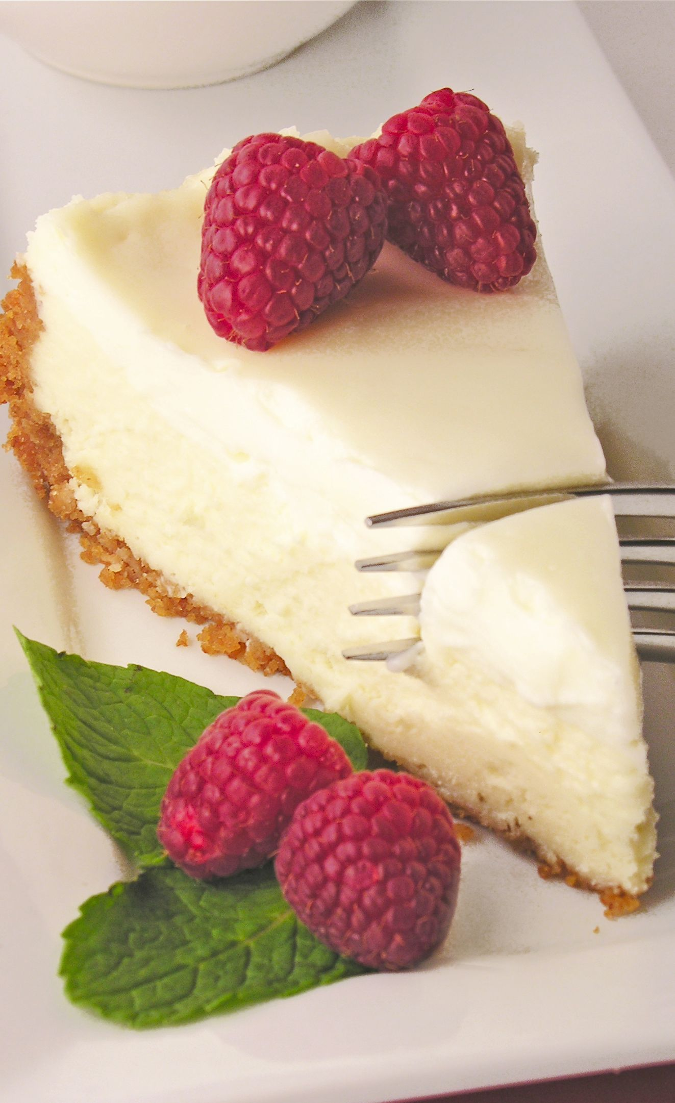 Classic Cheesecake With Sour Cream Topping Sour Cream Recipes Sour Cream Cheesecake Cheesecake Recipes Classic