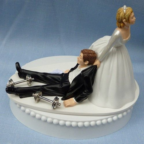 Funny Wedding Garters: Weightlifting Weights Workout Bodybuilder Wedding Cake