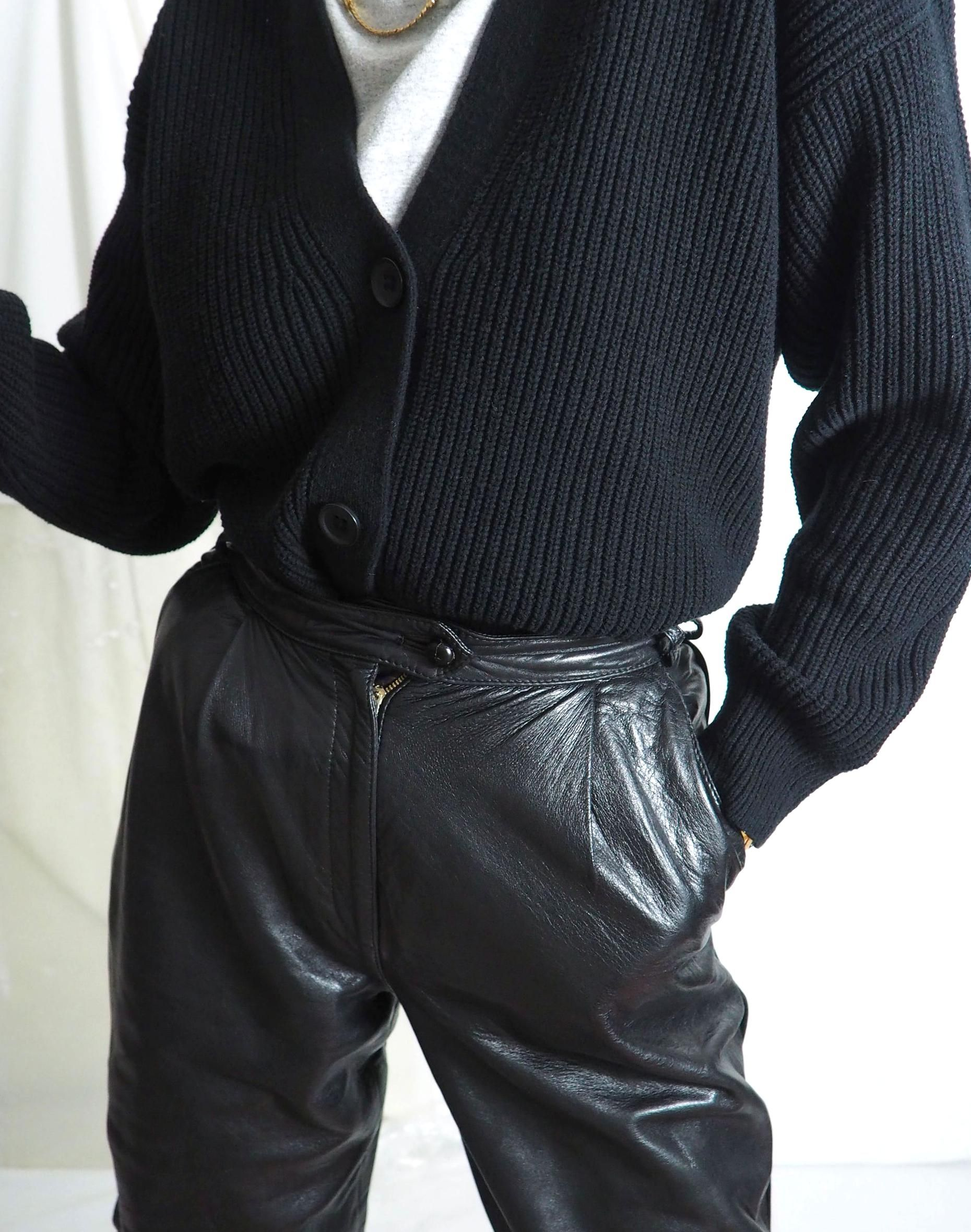 You Like Our Vintage Outfits Find Them On Our E Store Untitled1991 International Shipping In 2020 Vintage Clothing Online Black Leather Pants Vintage Outfits