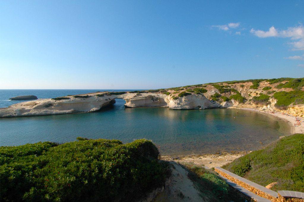 La Spiaggia di S'archittu – Sinis http://www.imperatoreblog.it/2013/07/04/le-spiagge-piu-belle-della-sardegna/ #sarchittu #spiagge #sardegna