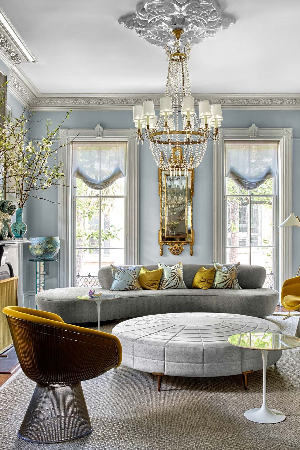 Townhouse Living Room Design: Inside A Stunning Italianate Townhouse In Savannah