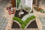 Grabgestaltung Blumen & Floristik - Flowerpower Rosenheim #friedhofsdekorationenallerheiligen